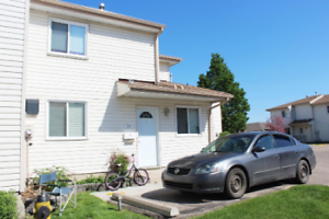 HALF-RENT first month: 3 bedroom large end-unit townhouse!