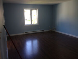 STUDENTS! Rooms for Rent ! 1 Min from UNB / 8 Month Lease