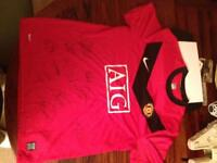 Signed Manchester United Shirt (with certificate of authenticity & hologram)
