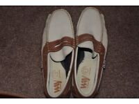 WAY BY BOTTI. BOAT SHOES