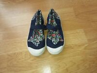 Girls Size 11 Junior canvas shoes