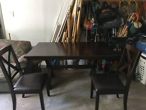 Nice Wood Dining Room set (Table + 2 chairs)
