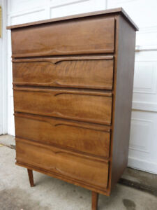 3 TALL DRESSERS 2 vacuum CL ADULT BIKES ALL MUST GO I DELIVER