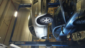 Car hoist in for sale 1300$