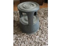 Commercial quality heavy duty kick stool £25