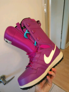 Womens Nike Snowboard boots