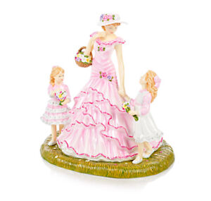 "Beautiful Royal Doulton ""Close to my Heart"" Figurine"