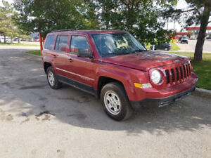 2012 Jeep Patriot SUV, 4x4, auto, only 40,000 km., EXTRA CLEAN
