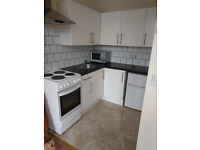 £355 / w Two bedroom flat next to West Kensington Station inclusive of gas and water bills