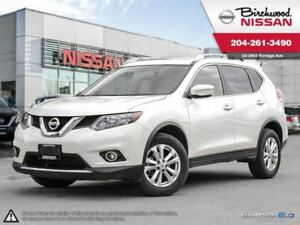 2014 Nissan Rogue SV Panoramic Moonroof! Accident Free!