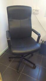 Black Office Swivel Chairs