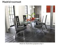 Modern glass top extenting dining table with 6 chairs