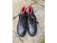 Men's safety work boots size 10