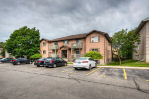 newly renovated 2 bedroom and 1 washroom condo