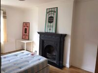 ***STUNNING MASSIVE DOUBLE ROOM AVAILABLE NOW IN KILBURN-NO AGANCY FEE***