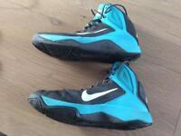 Nike dual fusion basket ball shoes
