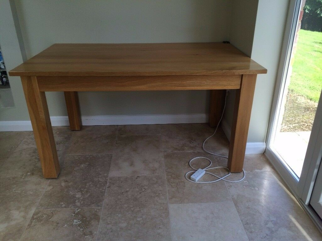 oak solid oak dining  kitchen table 5' x 3' perfect