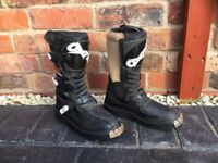 *** CHILDRENS OXTAR/ TCX MOTOCROSS BOOTS ** HARDLY USED ** EU SIZES 33/34 and 35** £35 a pair ***