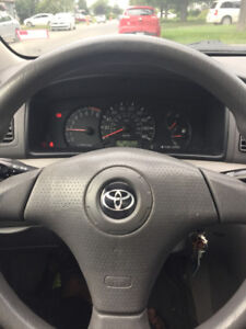 2007 Toyota Corolla Avec pneu d'hivers preque neuf!