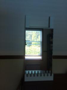 Miroir-étagère à suspendre