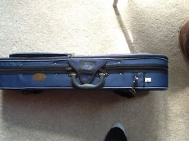 1/2 size student stentor violin outfit, excellent condition