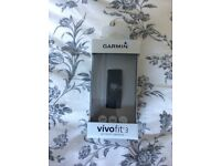 Garmin vivofit 3 sports smart watch brand new