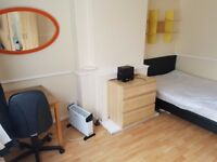 Newly Decorated Large Double Room, Zone 2. £500.00 ( Bills included)