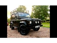 Land Rover Defender 90 200tdi murdered out.