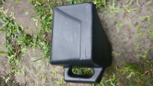 Lawn Mower Mulching Plug and Side Discharge Chute