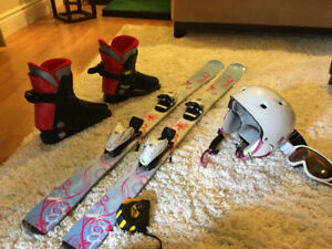 125cm Head skis firefly helmet and goggles included