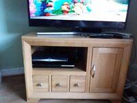 Solid Oak TV/Hi Fi cabinet