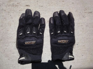 ICON LADIES MOTORCYCLE GLOVES- SIZE L