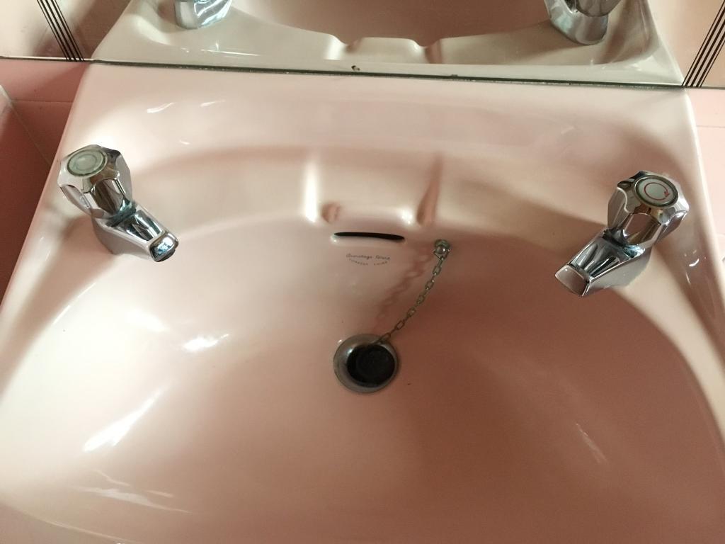 Replacing a retro coloured bathroom suite - Retro Pink Bathroom Suite Image 1 Of 9
