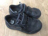 Clarks black leather trainer/shoe