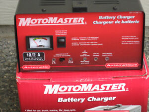 Motomaster 10/2 A Battery Charger