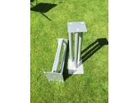 GALE METAL SPEAKER STANDS 630MM TALL 65MM SQ TOP SILVER FOR COLLECTION