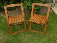 2 Wooden folding chairs in excellent condition