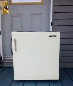 """Réfrigérateur Polar 20,5X21"""""""