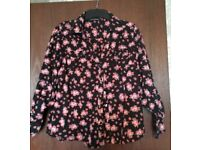 BLACK BLOUSE WITH FLORAL PATTERN SIZE 14 (GOOD CONDITION)