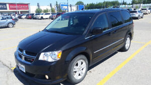 2014 Dodge Grand Caravan Crew LOW KM, WARRANTY