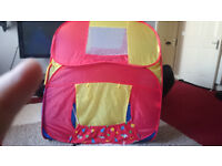 Kids Play House incl 193 balls good condition