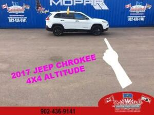 2017 Jeep Cherokee Altitude 4X4 Remote Start only 700KMS!!!!!