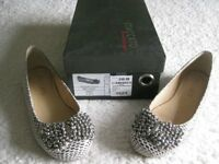 Flat Grey & Cream Shoes - PRICE REDUCED.
