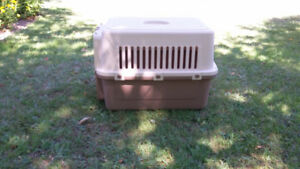 Dog crate/carrier