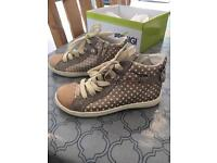 Primigi Girls Shoes Hightops Size UK 11
