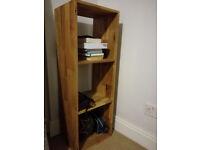 Solid oak small wooden bookcase/shelving unit