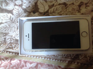 iPHONE 5S LIKE NEW CONDITION