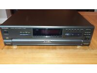 Technics 5 Disc, Compact Disc Changer/CD Player SL-PD687
