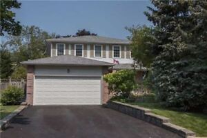 Beautifully Decorated Family Home In Whitby Neighbourhood!
