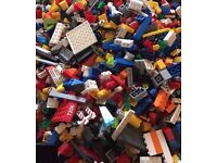 WANTED - Your old mixed up Lego ! CASH PAID